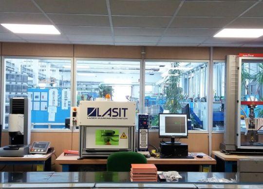 Sariv-rivetti-strappo-nuovo-laboratorio